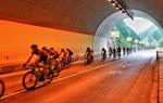 环青海湖国际公路自行车赛进入第十赛段