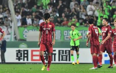 亚冠-吕文君染红石柯乌龙 上港0-5惨败全北