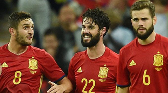 热身-西班牙追两球2-2英格兰 金童压哨扳平