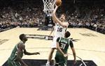 NBA常规赛:雄鹿胜马刺
