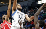 NBA常规赛:森林狼胜火箭