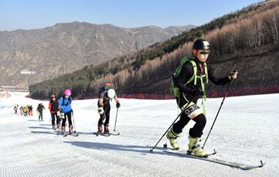 北京冬奥崇礼赛区春节接待游客近18万人次