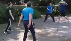 [视频]居家趣味气排球